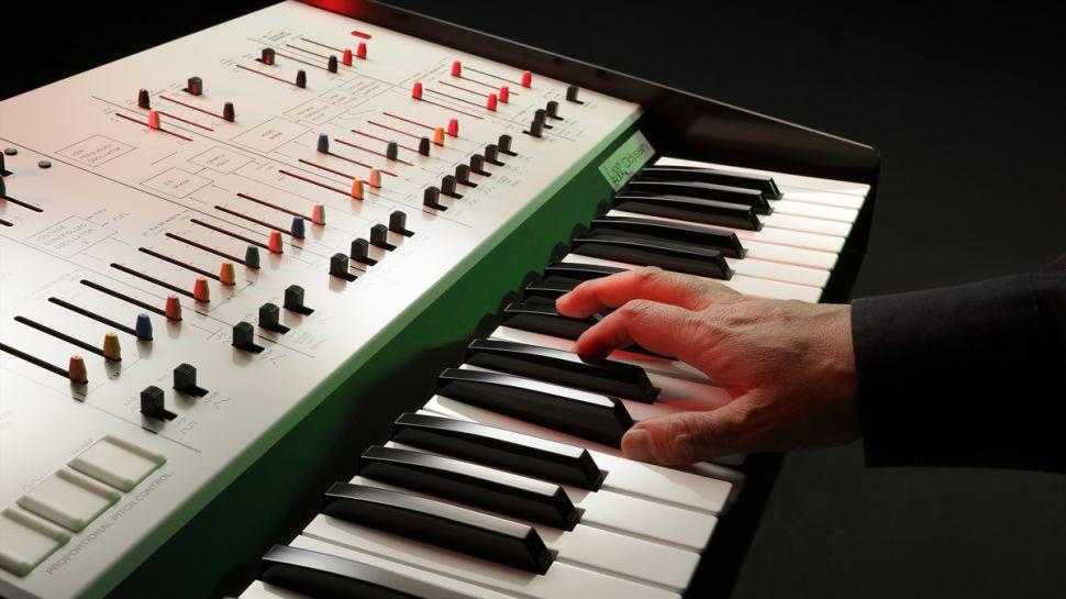 korg-arp-odyssey-fs-playing-970-80