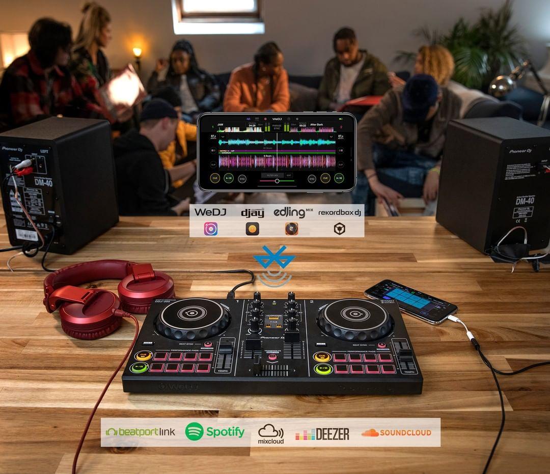 Csatlakoztassa az iMac stúdiómonitorokat