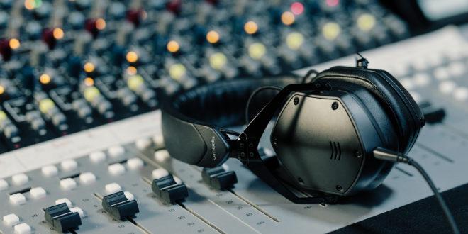 Itt a V-Moda első referencia stúdiófejhallgatója